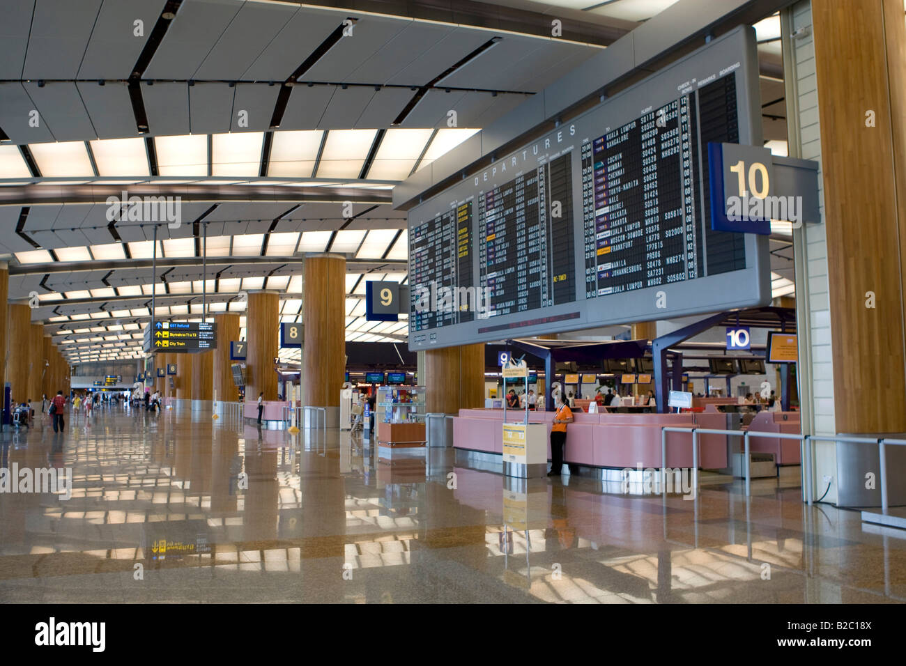 Departure lounge and check-in counters at Singapore Changi Airport, Singapore, Southeast Asia - Stock Image