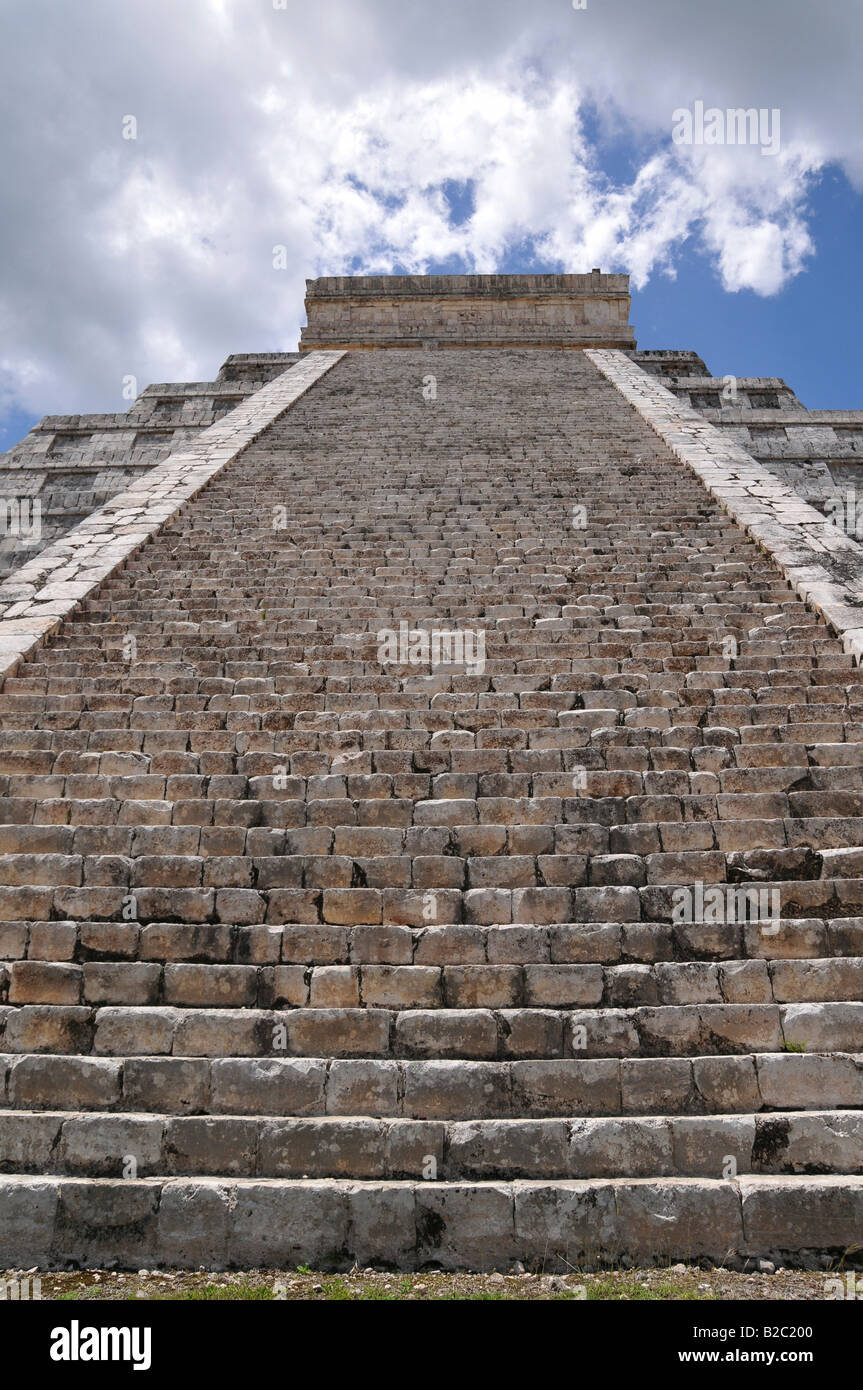 Stairs on the Temple of Kukulkan Pyramid, Zona Nord, Chichen-itza, new wonder of the world, Mayan and Toltec archaeological Stock Photo