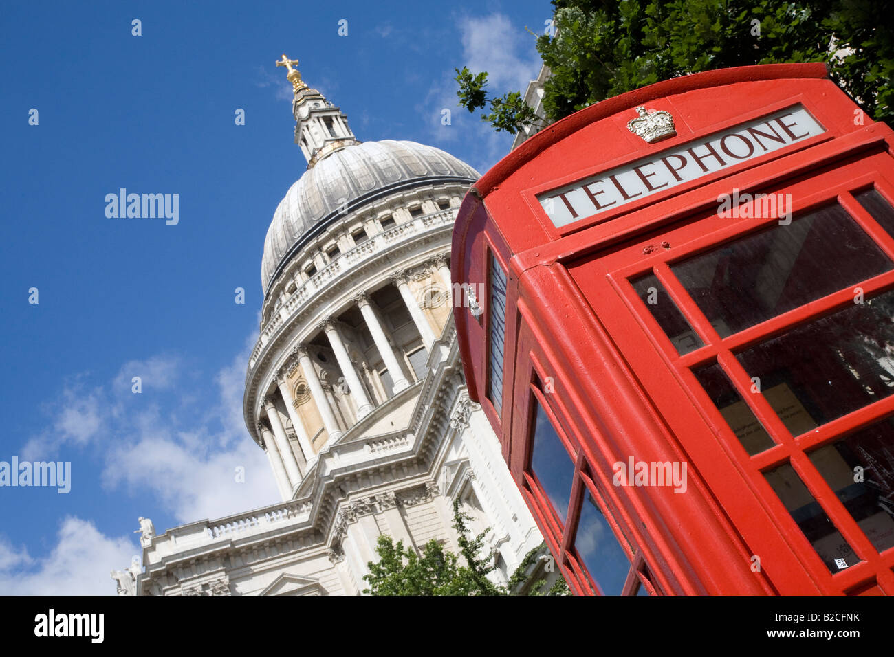 St Paul's Cathedral and red telephone box. London, England - Stock Image
