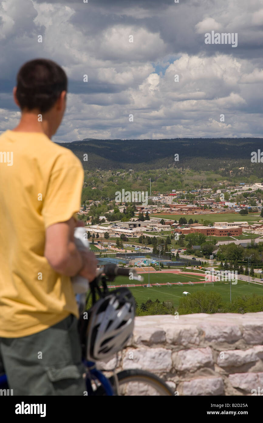bicyclist at overlook, Skyline Wilderness, Rapid City, South Dakota - Stock Image