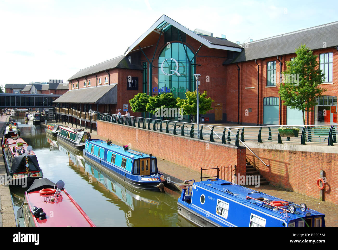 Castle Quay Shopping Centre and Oxford Canal, Banbury, Oxfordshire, England, United Kingdom - Stock Image