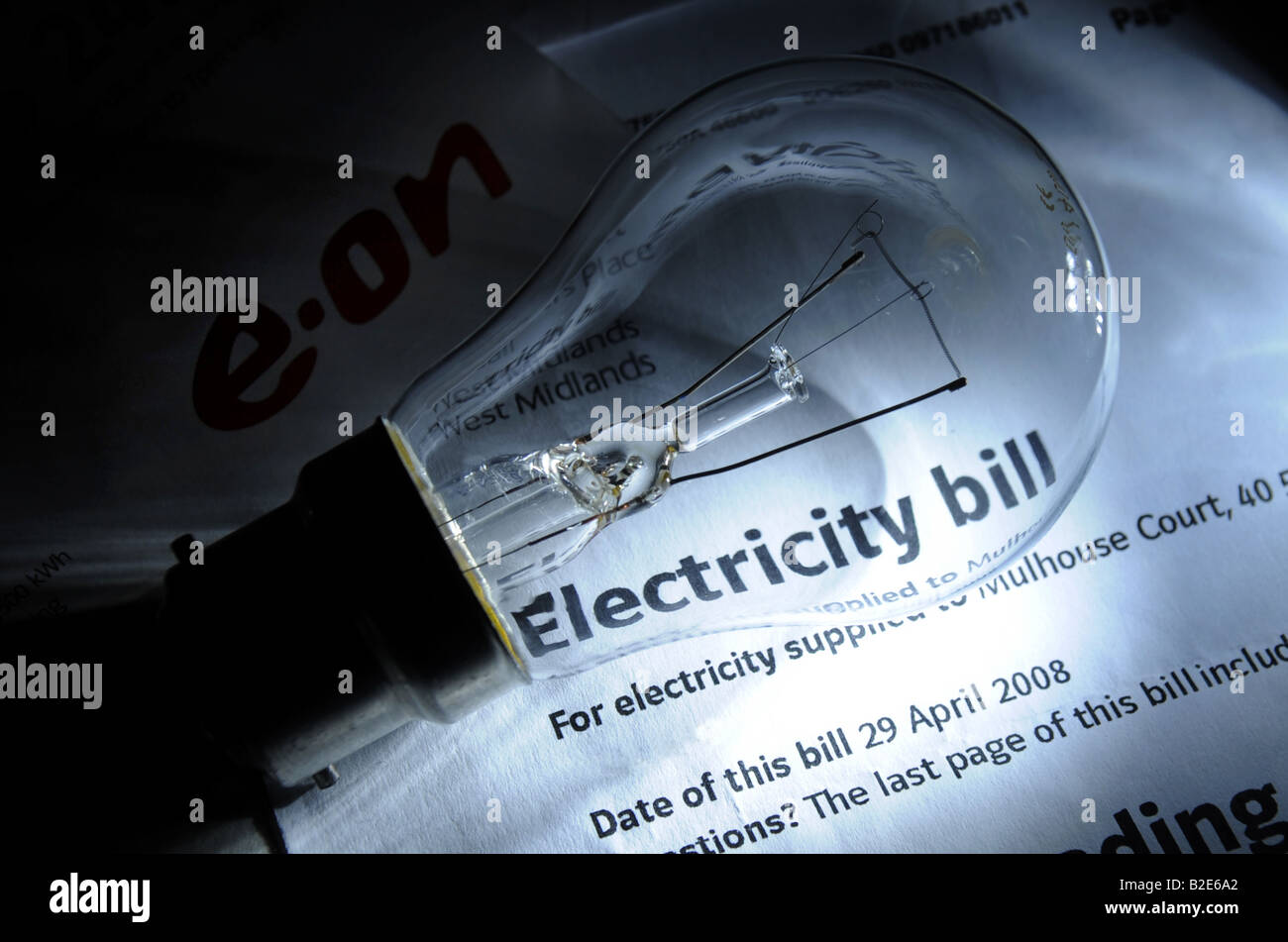 A BRITISH E-ON ELECTRICITY BILL WITH STANDARD LIGHT BULB,ENGLAND,UK