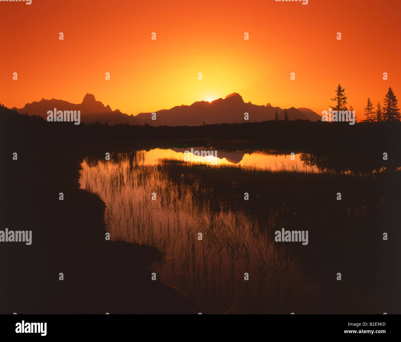 Sunset over mountain, Dachsteingruppe, Gosaukamm, Pongau, Salzburg, Austria Stock Photo