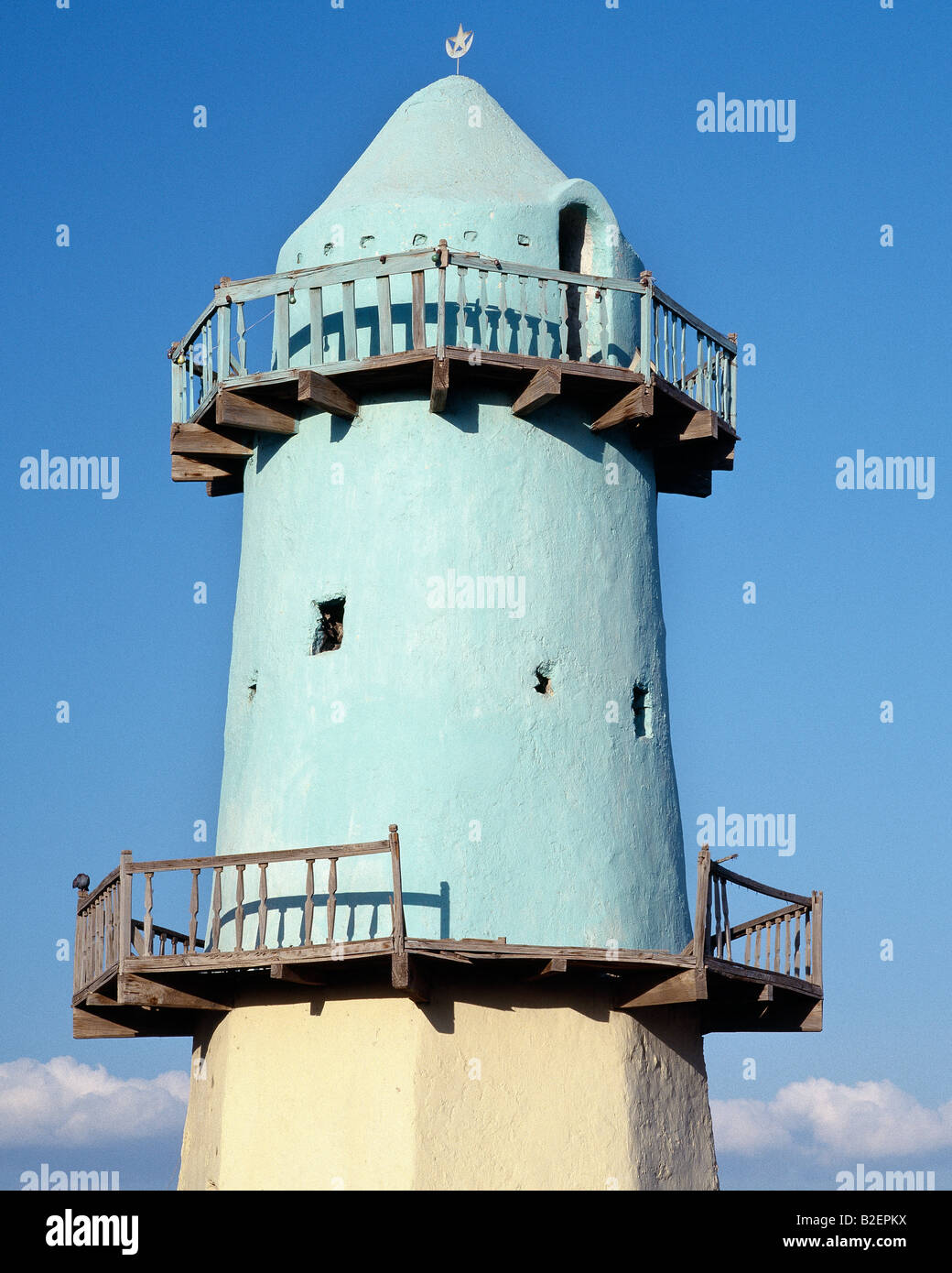 The minaret of the old mosque at Aysaita, a hot, dusty town, which is the administrative centre of the nomadic Afar - Stock Image