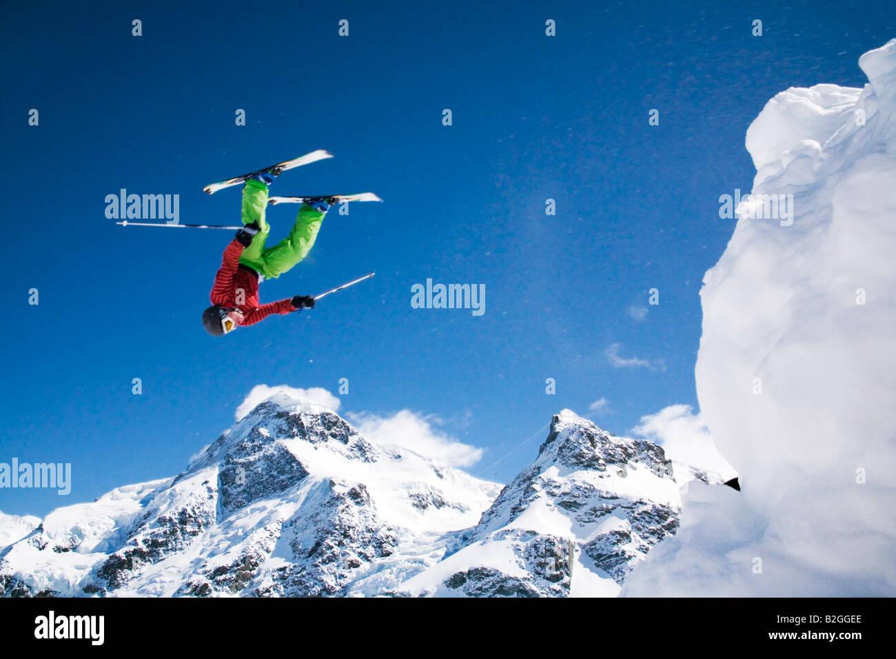 jumping freestyle skiing skier skisport skier ski area mountains snow jump flight sensational - Stock Image