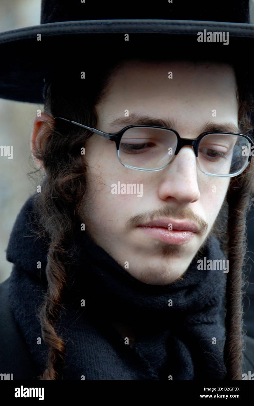 Close up of Orthodox Hassidic Jews in London - Stock Image