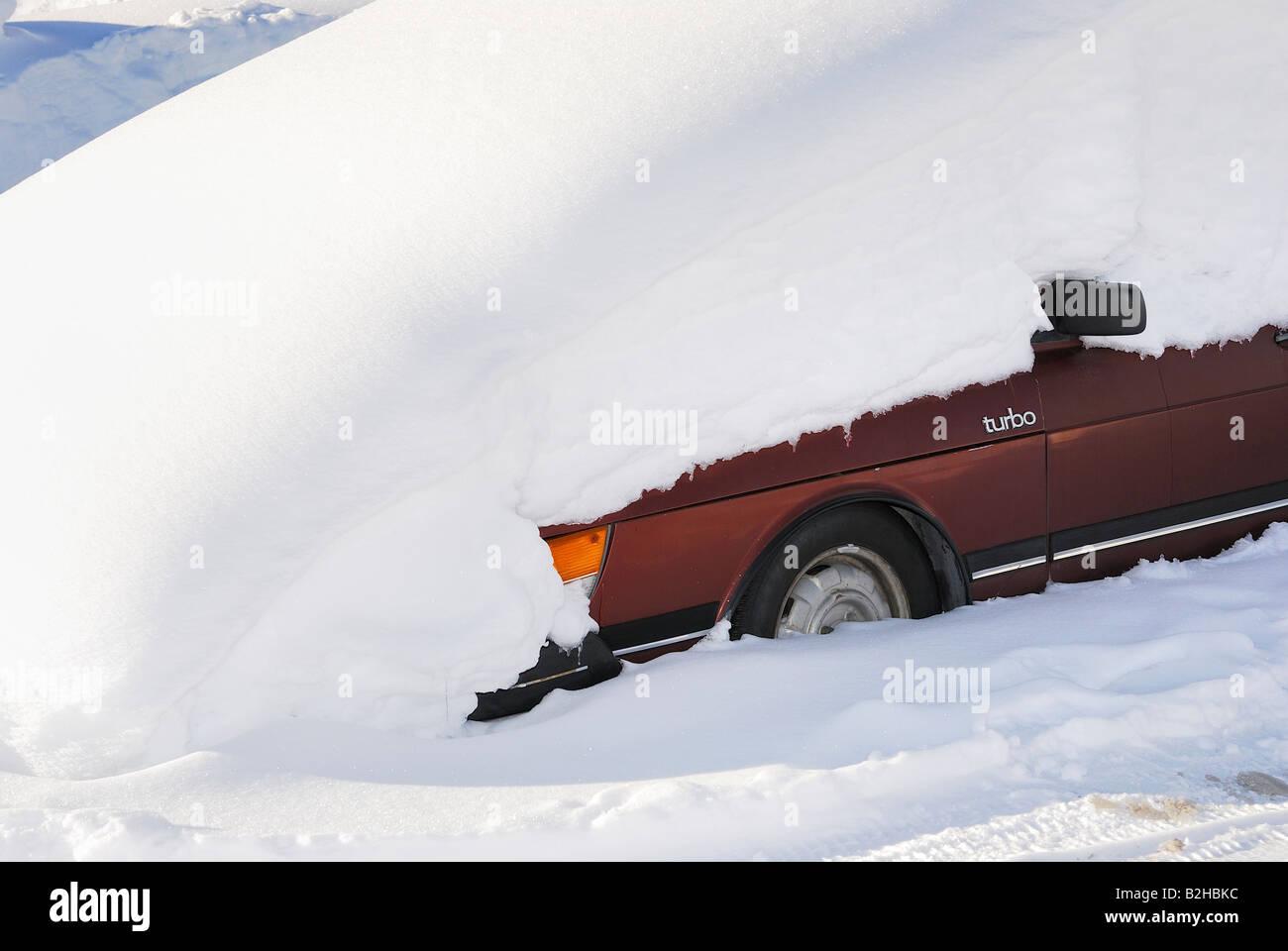 tiefverschneiter Saab Turbo Gaellivare Lappland Schweden Maerz 2007 - Stock Image
