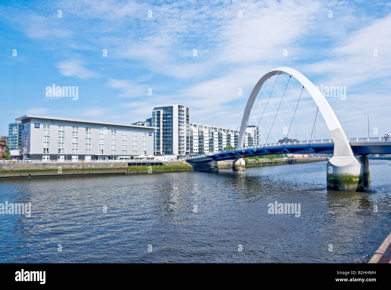 New Clyde Arc Road Bridge spanning the River Clyde between Finnieston Street and Govan Road in Glasgow - Stock Image