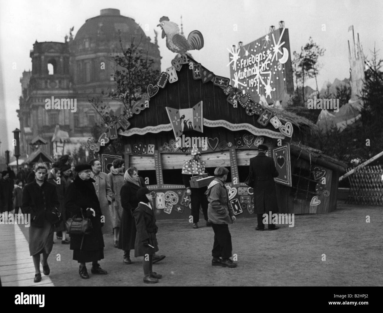christmas, christmas markets, Marx-Engels-Platz, East Berlin, December 1955, Additional-Rights-Clearances-NA - Stock Image