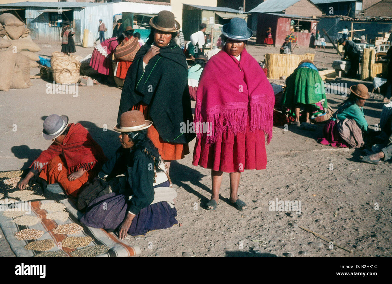geography / travel, Peru, people, women, traditional clothes, Indian Market, Puno, 1964, Additional-Rights-Clearances - Stock Image