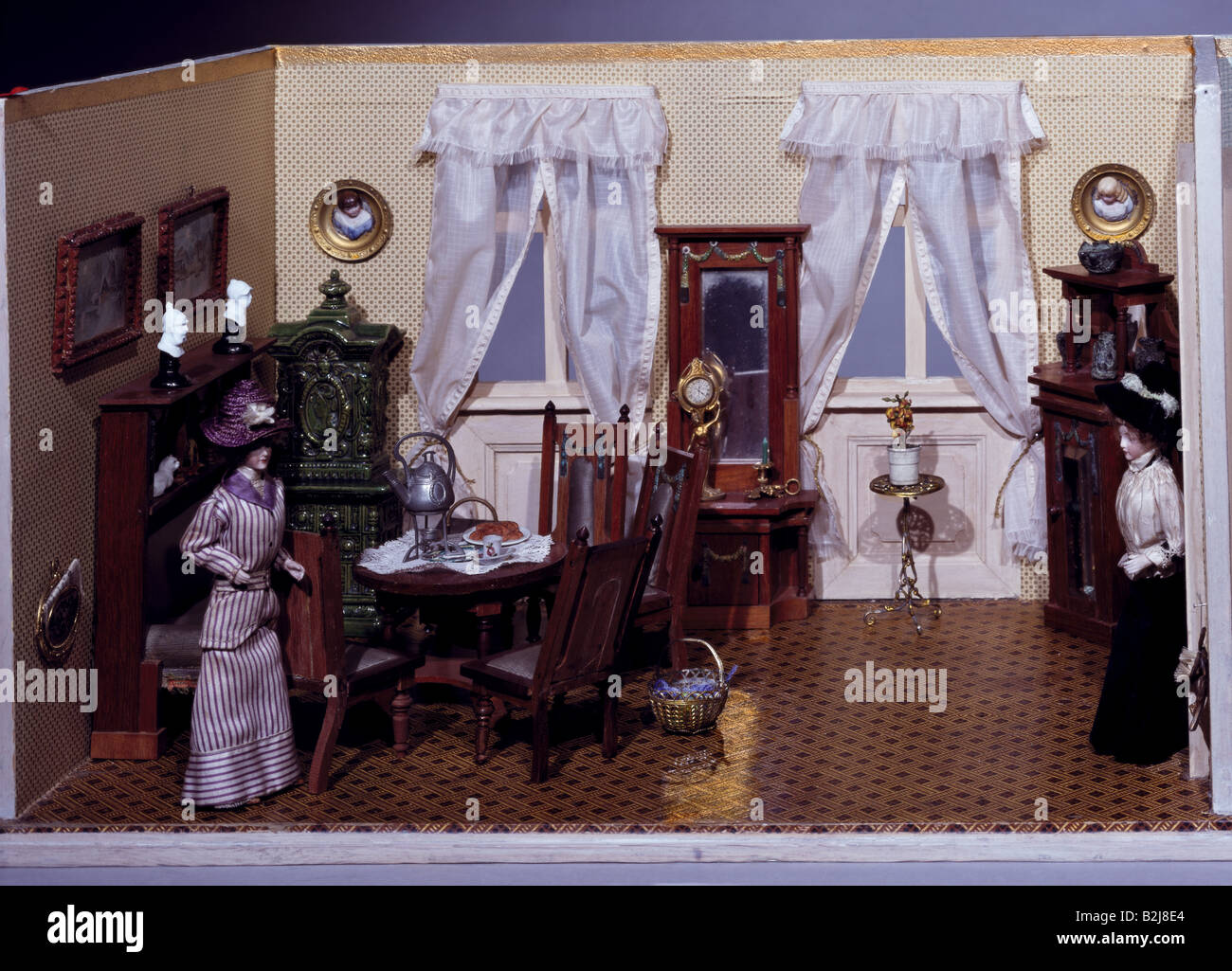 toys, dolls, dollhouse, living room, South Germany, circa 1900, Additional-Rights-Clearances-NA - Stock Image