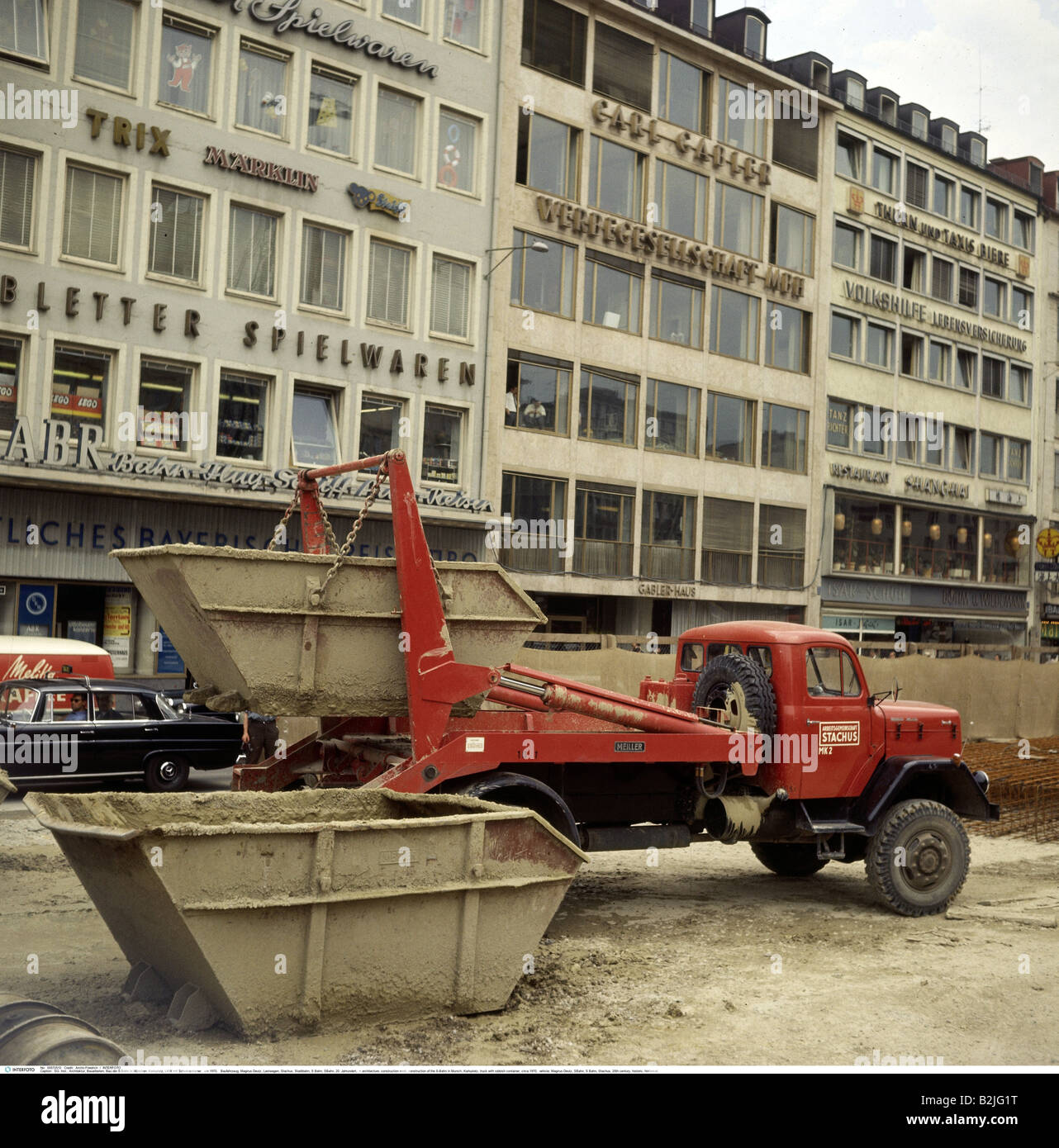 architecture, construction work, construction of the S-Bahn in Munich, Karlsplatz, truck with rubbish container, Stock Photo