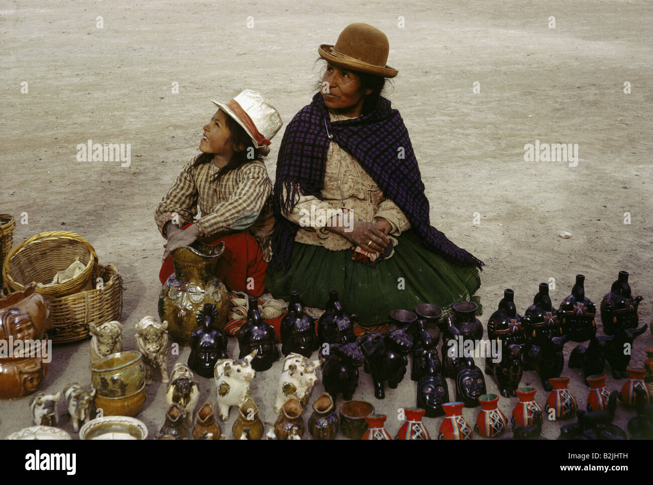 geography / travel, Peru, trade, stand with arts and crafts, between Lataya and Puno, 1964, Additional-Rights-Clearances - Stock Image