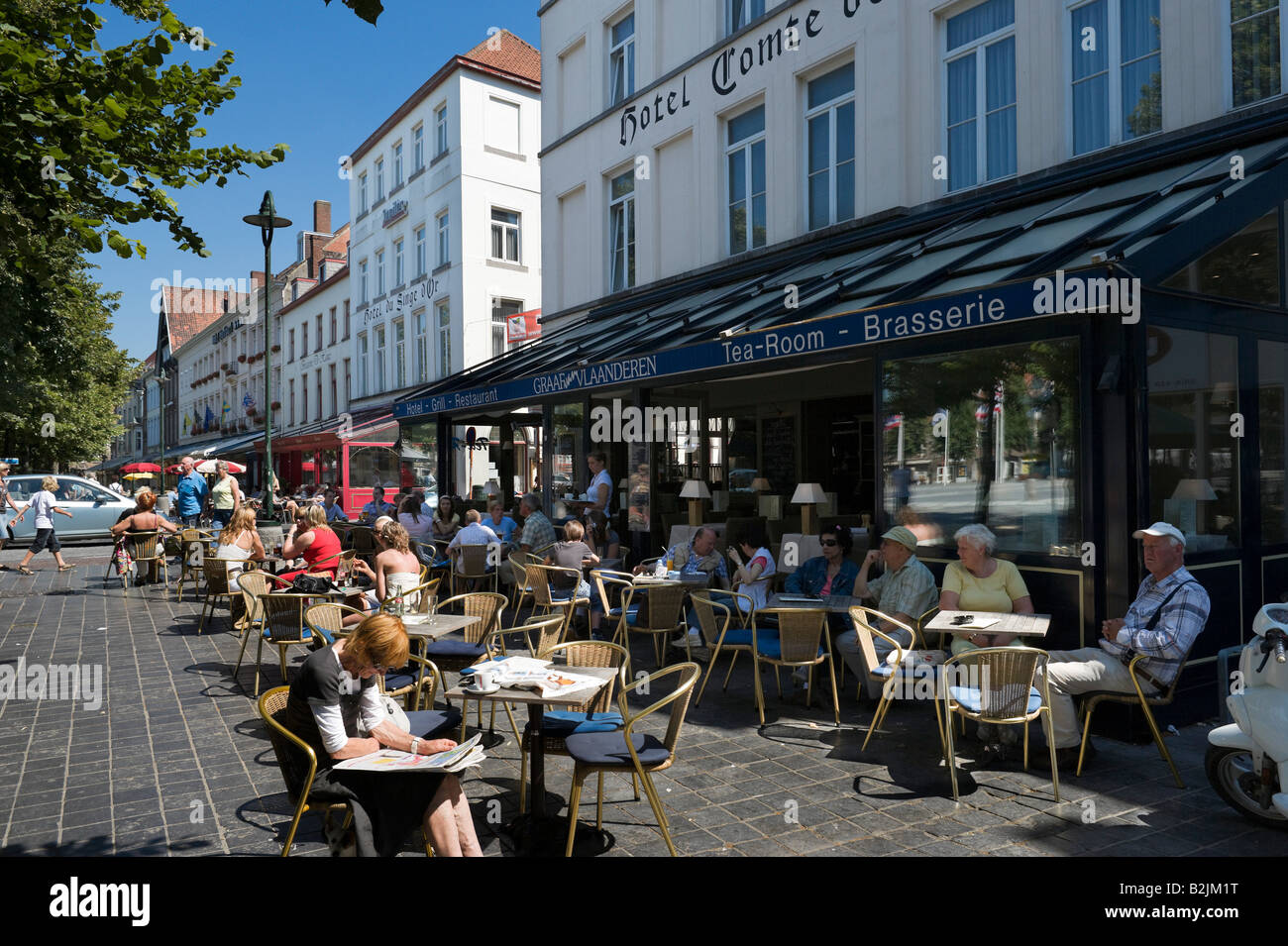 Cafes in T'Zand in the old town, Bruges, Belgium - Stock Image