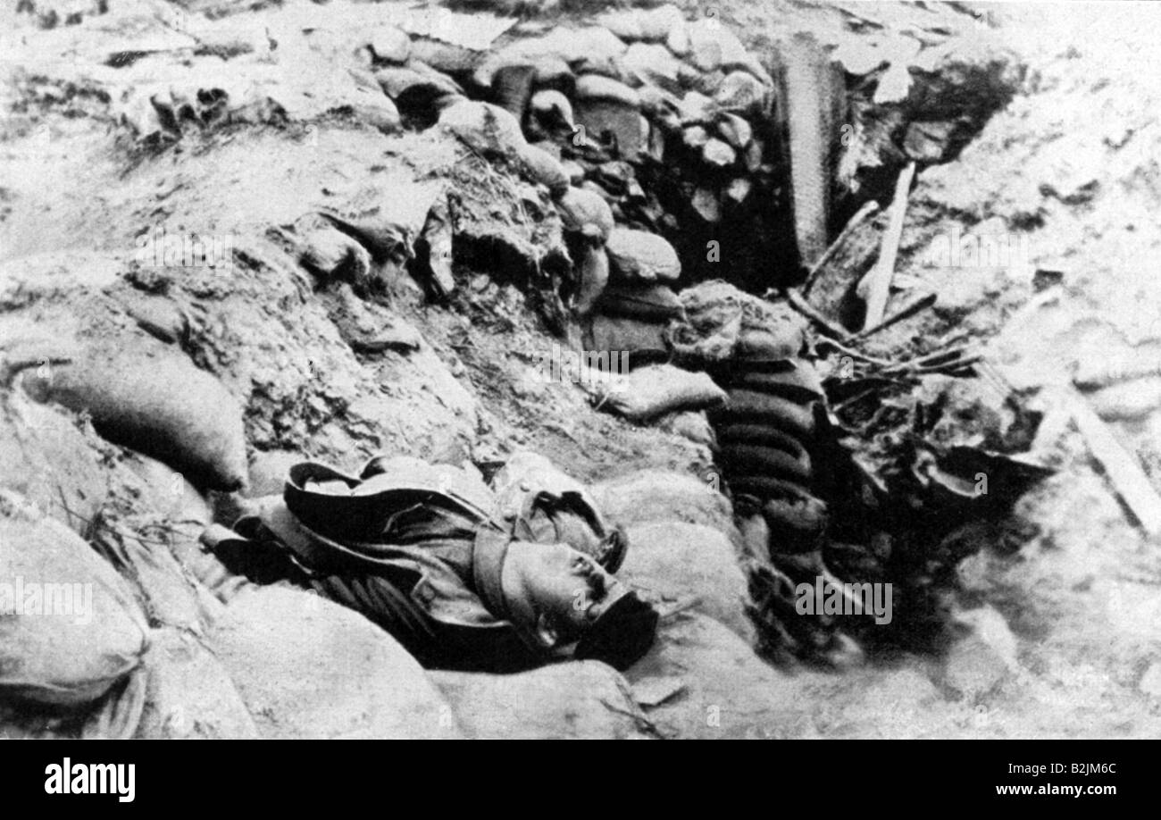 events, First World War / WWI, Western Front, blocked up German trench after a hit by a 30 cm shell, near Arras, - Stock Image