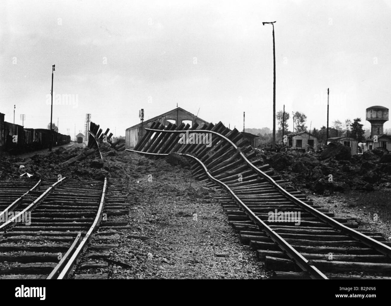 events, Second World War / WWII, France, destroyed rails after German air raid, 13.5.1940, Additional-Rights-Clearances - Stock Image
