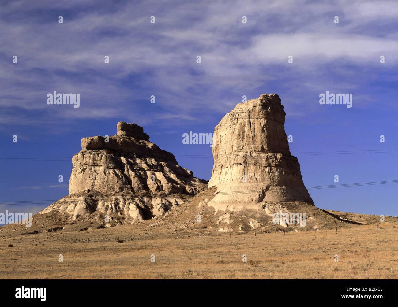 geography / travel, USA, Nebraska, Bridgeport, landscapes, rock formations Courthouse Rock and Jail Rock, Additional Stock Photo