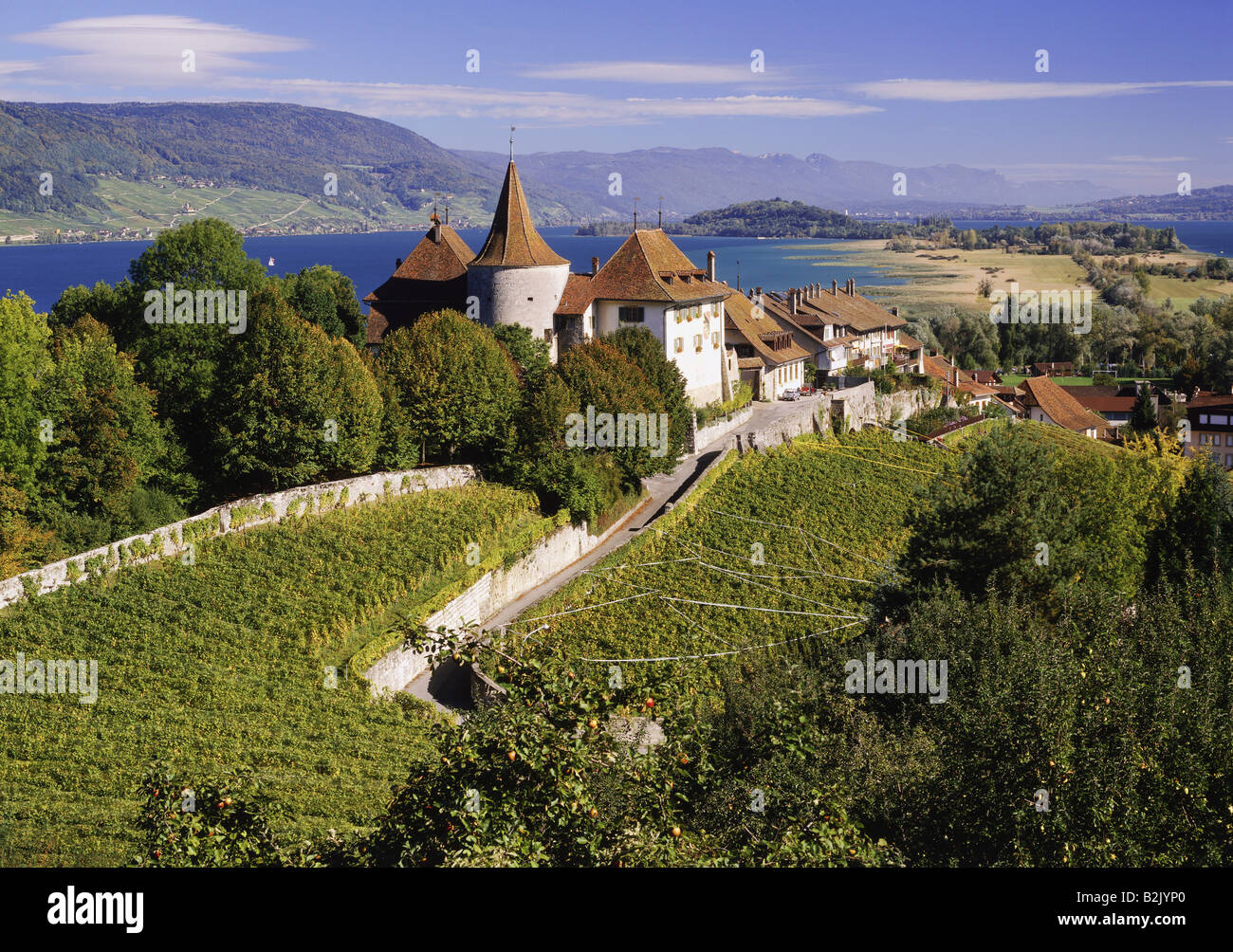 geography / travel, Switzerland, Berne, Erlach, city views / cityscapes, view on castle, old town, Lake Biel, St. - Stock Image