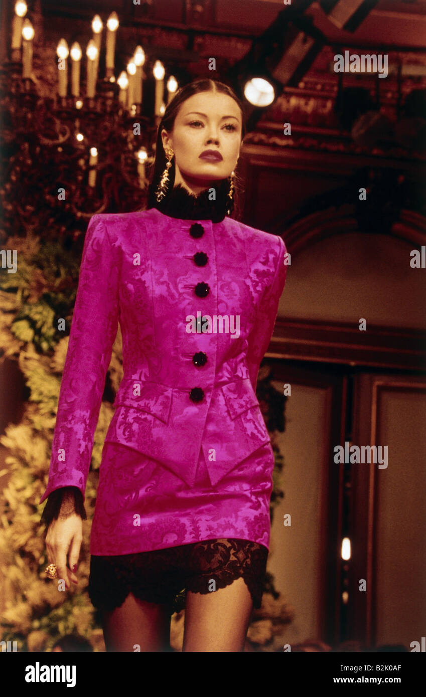 Half Jacket 2 0 >> fashion, fashion show, Haute Couture, Paris, Yves Saint Laurent, fall Stock Photo: 18857063 - Alamy