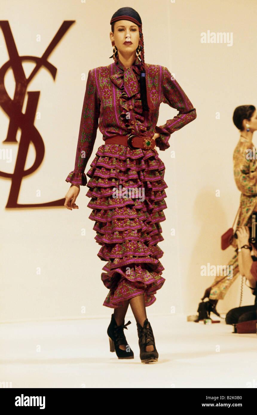 Fashion fashion show pret a porter paris yves saint for Show a paris