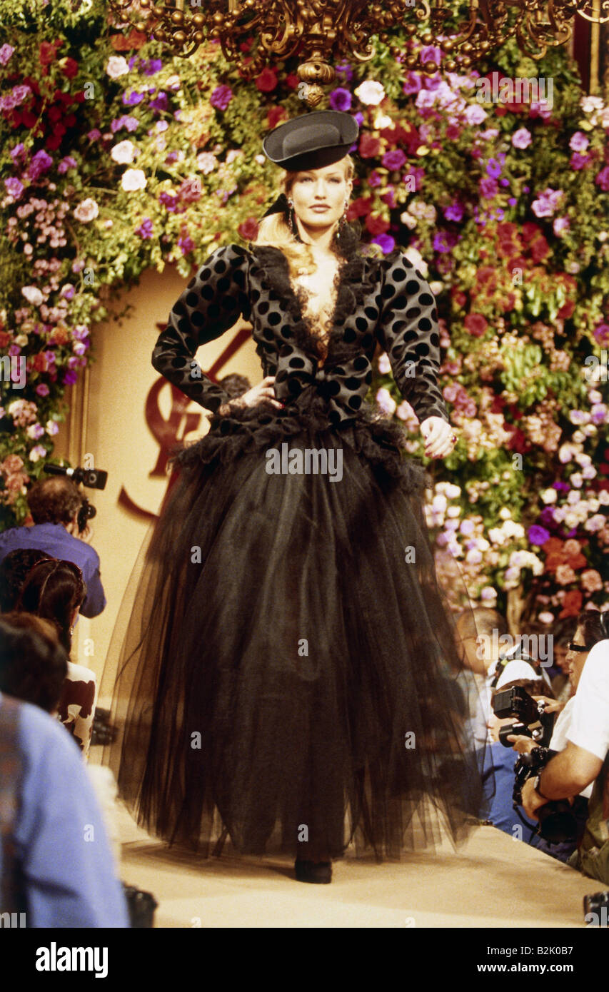 fashion fashion show haute couture paris yves saint laurent stock photo 18857083 alamy. Black Bedroom Furniture Sets. Home Design Ideas