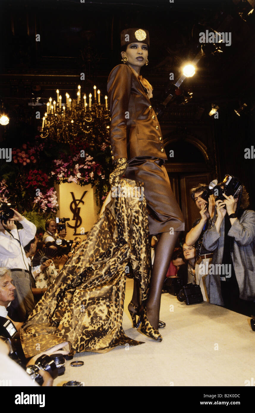 6dabae7947a fashion, fashion show, Haute Couture, Paris, Yves Saint Laurent, fall /  winter collection 1986 / 1987, Additional-Rights-Clearances-NA