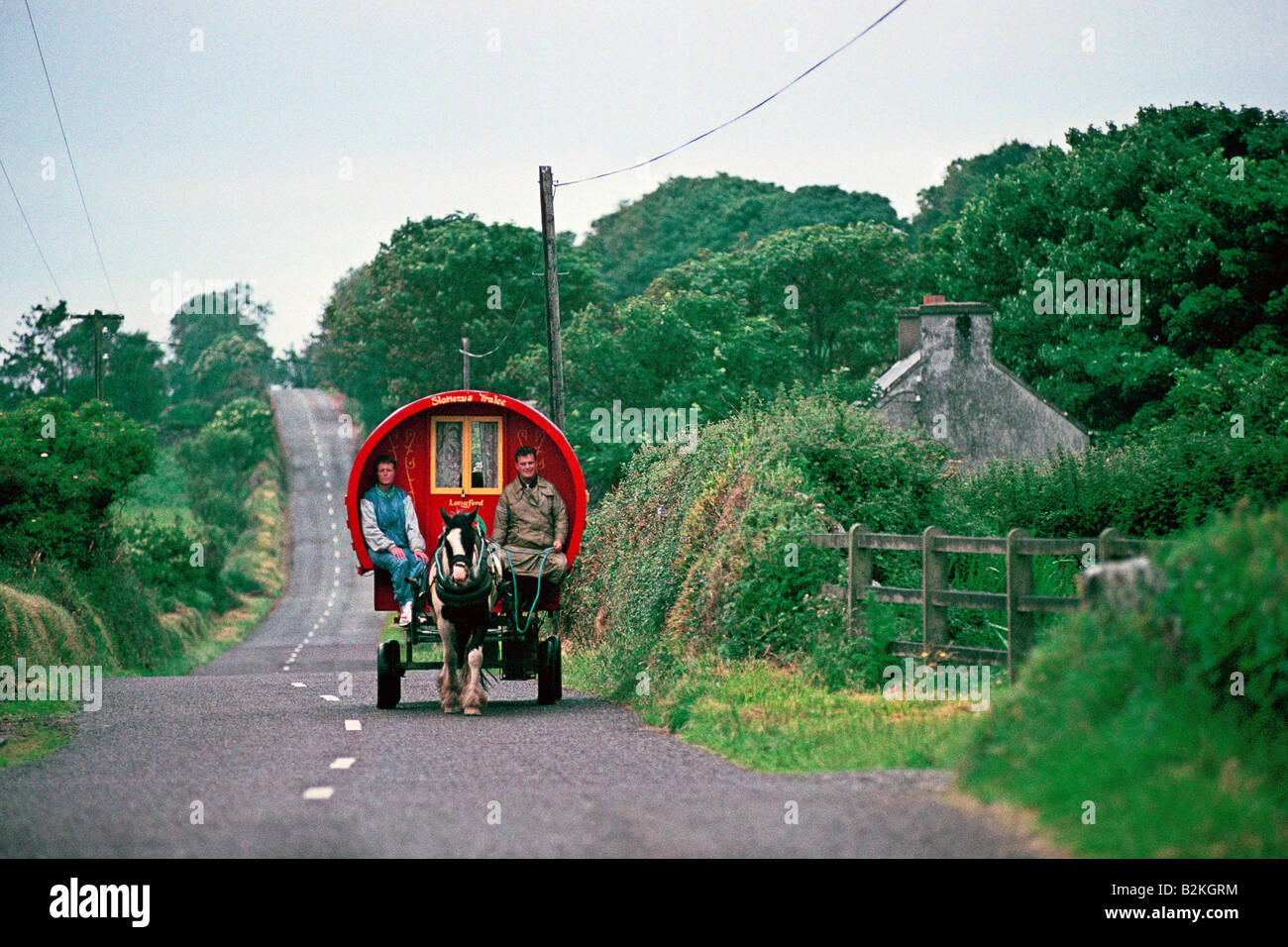 SOUTHERN IRELAND CO KERRY DINGLE PENINSULA INCH CARAVAN ON COUNTRY ROAD 1991 - Stock Image