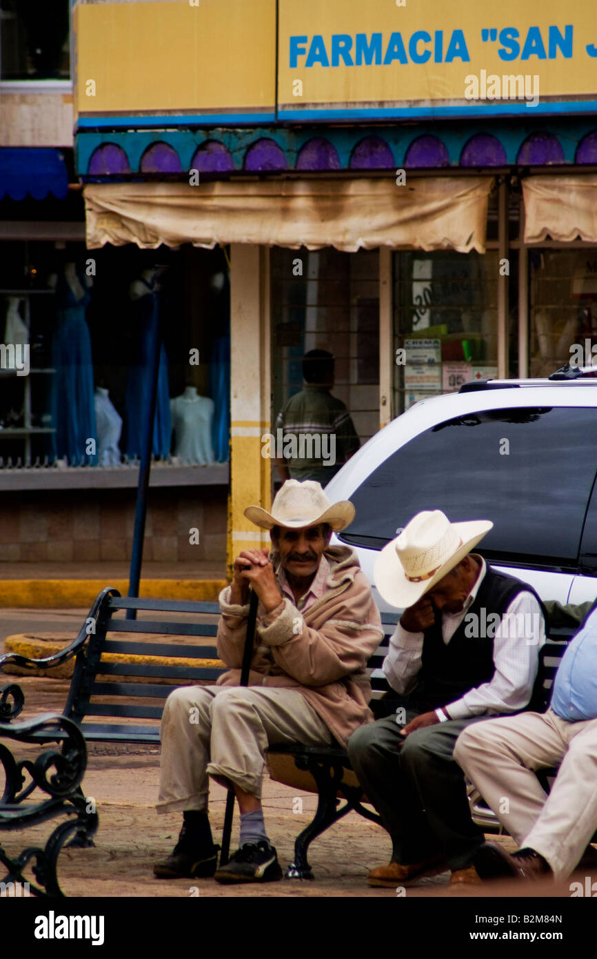 Mexico, Arandas, old men's Group meets in the square to talk, typical man of Arandas - Stock Image