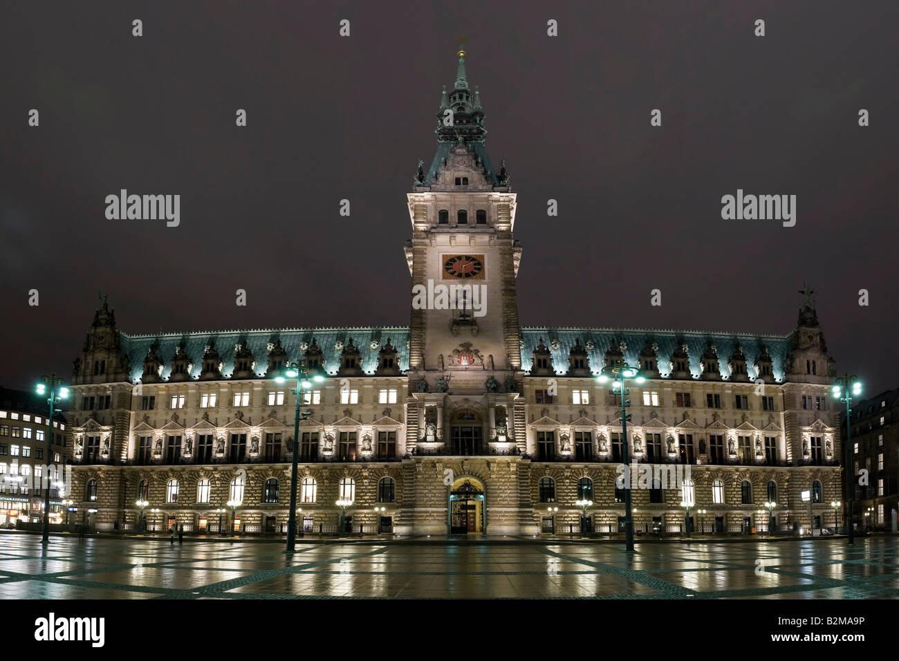 Night-time view of City Hall, Hamburg, Germany, Europe - Stock Image