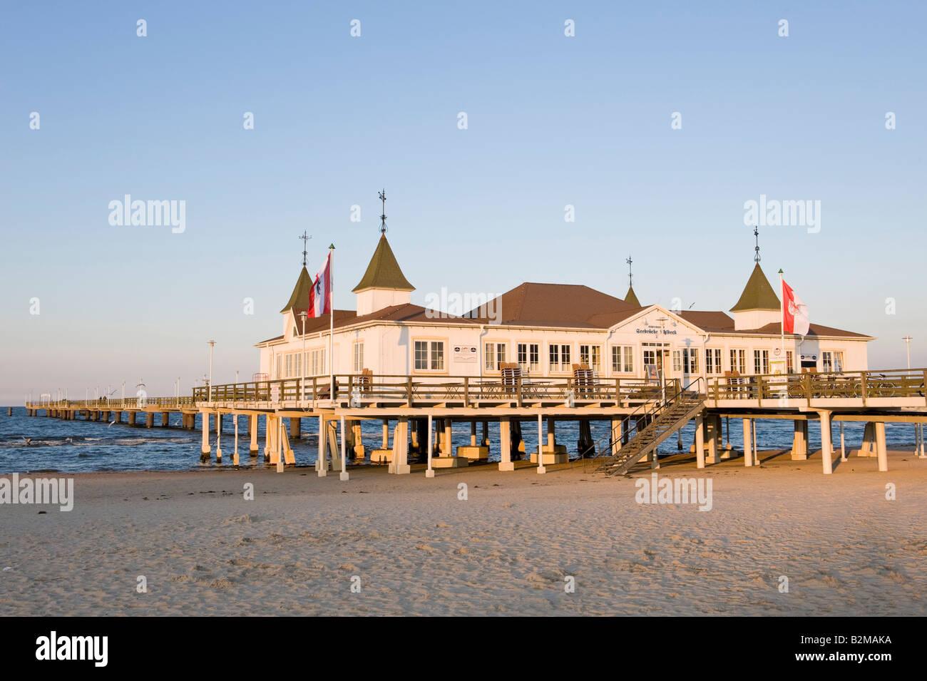 Historic pier, Ahlbeck seaside resort, Usedom Island, Mecklenburg-Western Pomerania, Germany, Europe - Stock Image