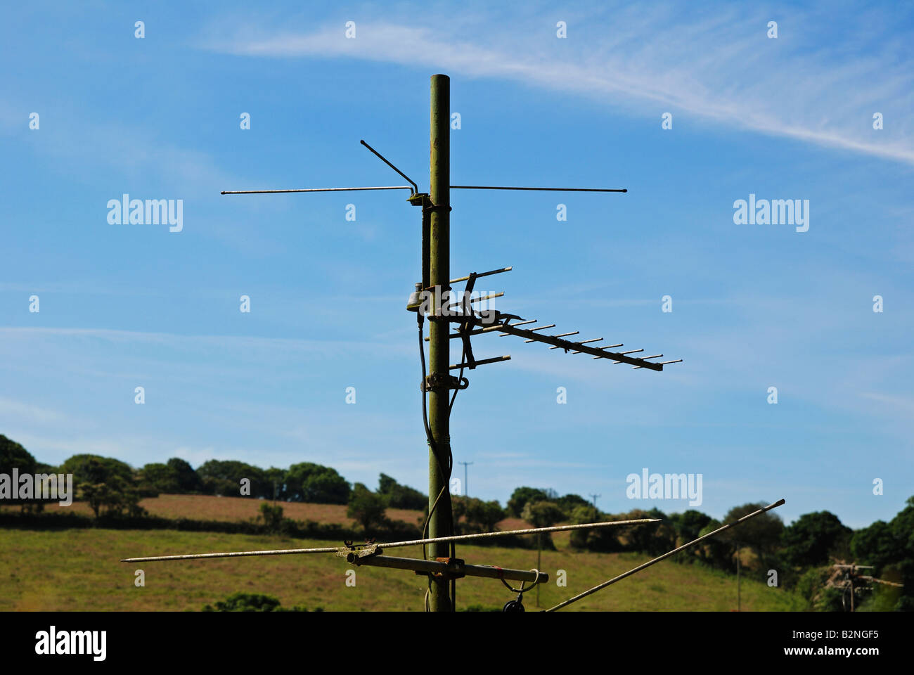 an old style analogue terrestrial televison ariel in the english countryside - Stock Image