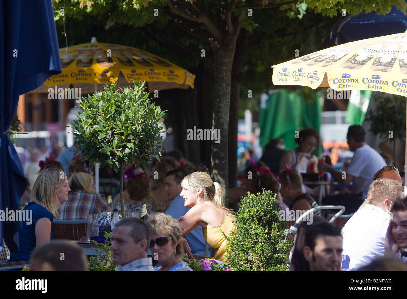Diners outside of cafe restaurant cafe quarter Cardiff - Stock Image