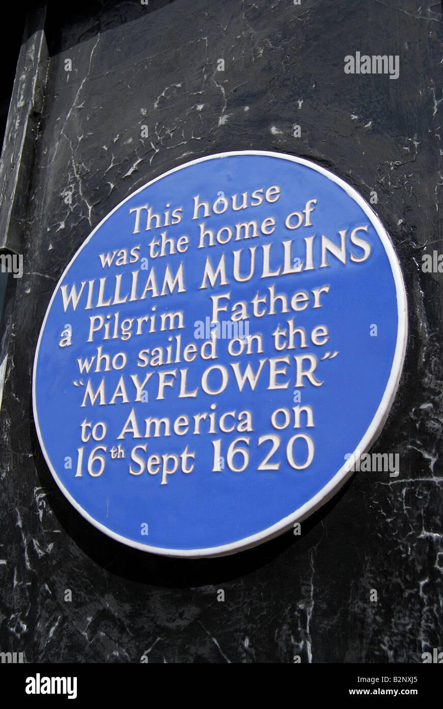 Blue commemorative plaque, William Mullins' House, West Street, Dorking, Surrey, England, United Kingdom - Stock Image