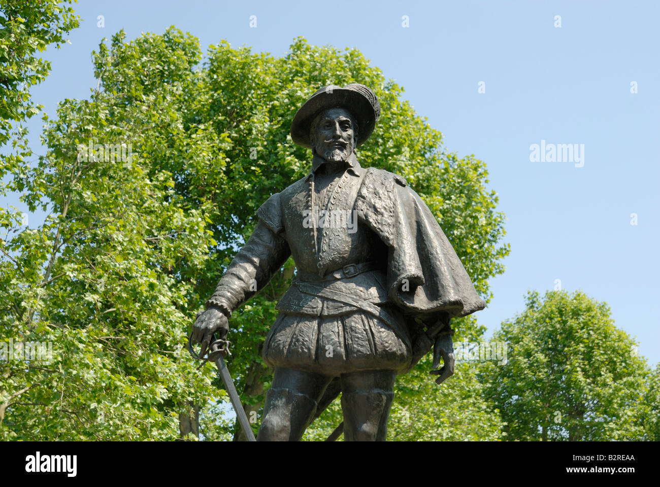 Sir Walter Raleigh statue, Greenwich - Stock Image
