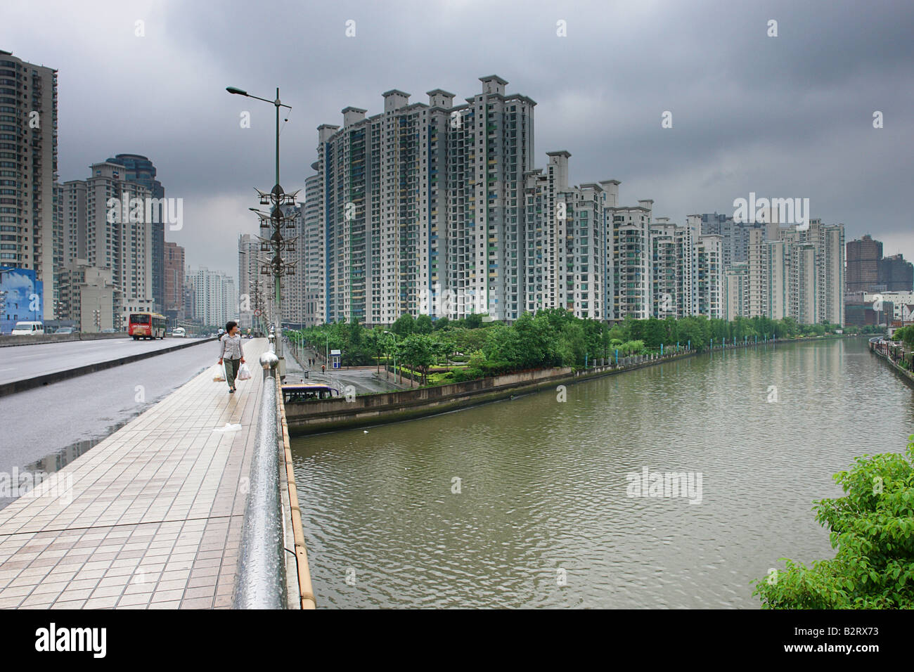 Streetscene in Shanghai Shanghai Shi China Asia - Stock Image