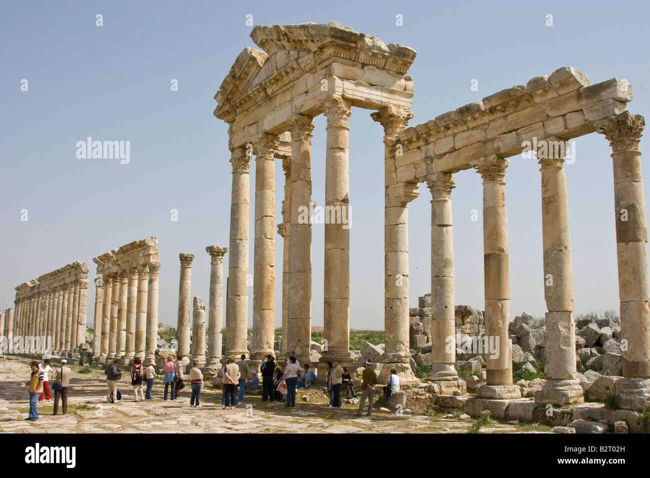 Tour Group At Roman Ruins At Apamea Syria Stock Photo 18966601 Alamy
