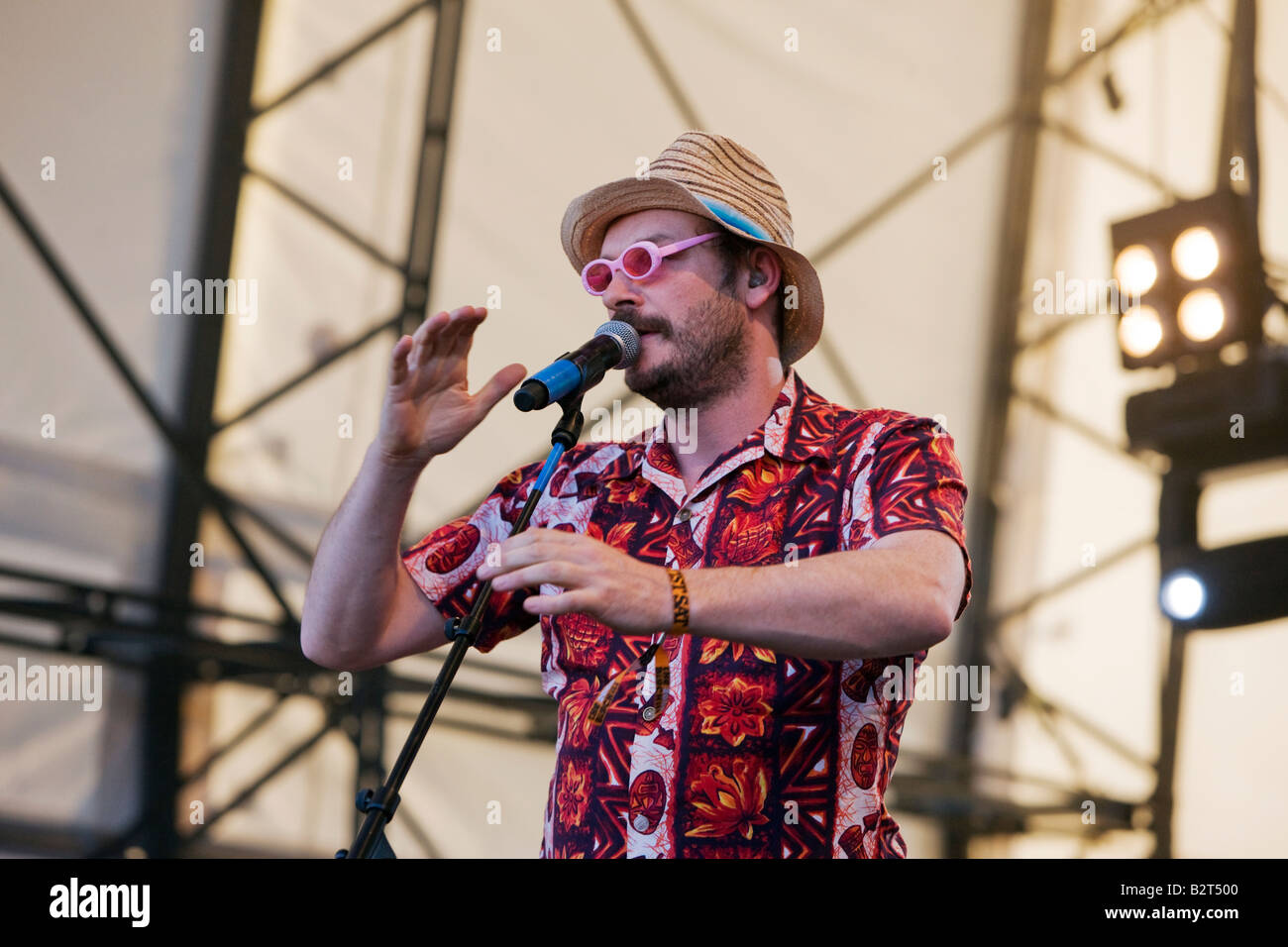 Julian Barratt of The Mighty Boosh performing live at The Big Chill Festival 2008, Eastnor Castle Herefordshire - Stock Image