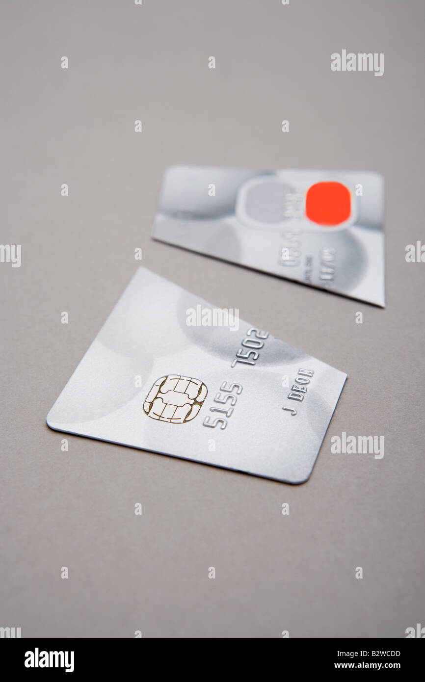 Credit card cut in half - Stock Image