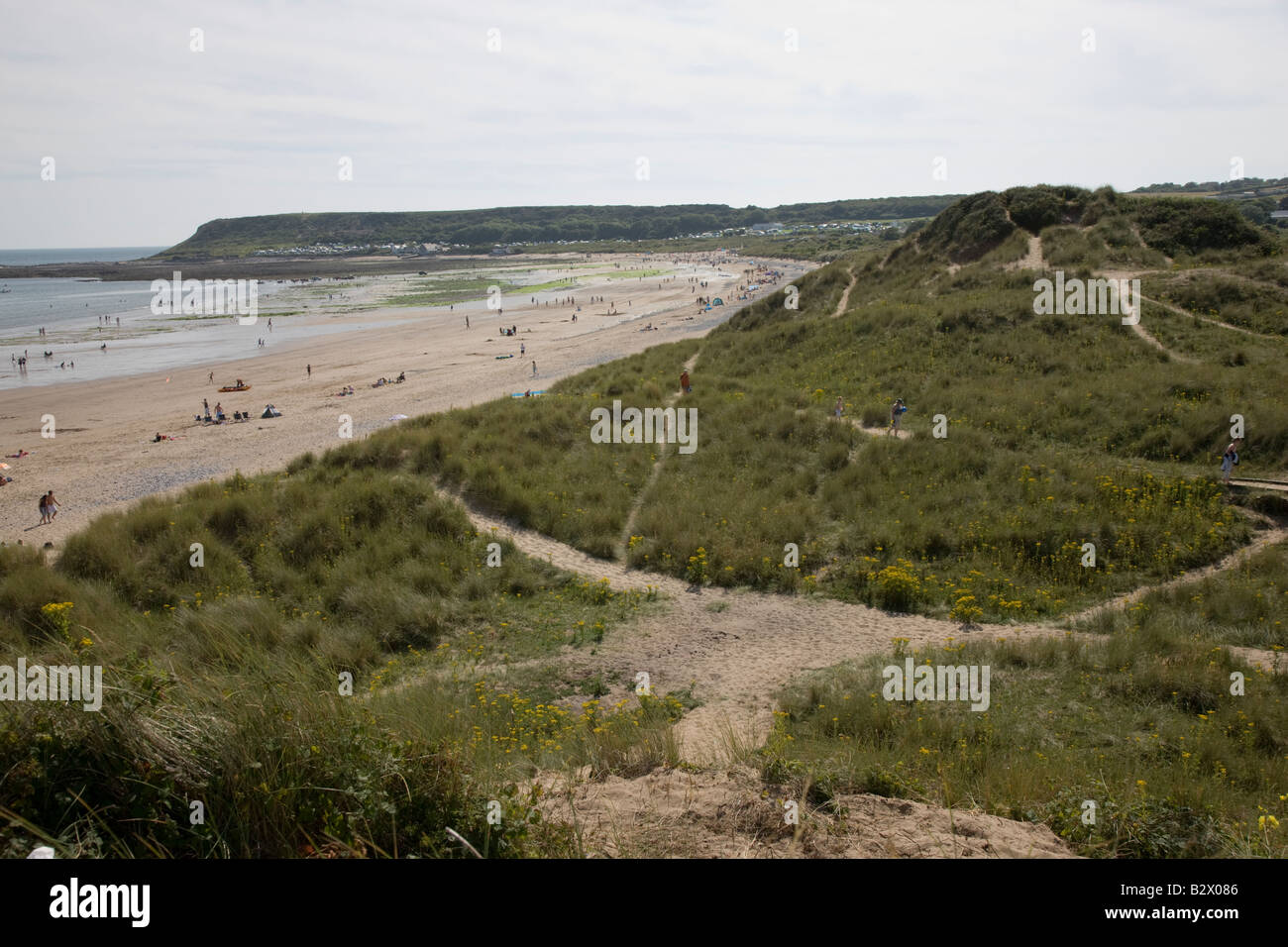 Beach and burrows at Horton looking towards Port Eynon Stock Photo