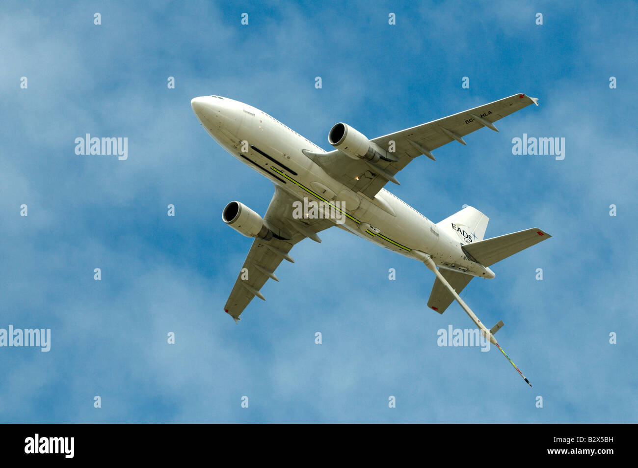 Airbus A310 EADS Air Refuelling tanker flying overhead with refuel-er extended Farnborough Air Show 2008 - Stock Image
