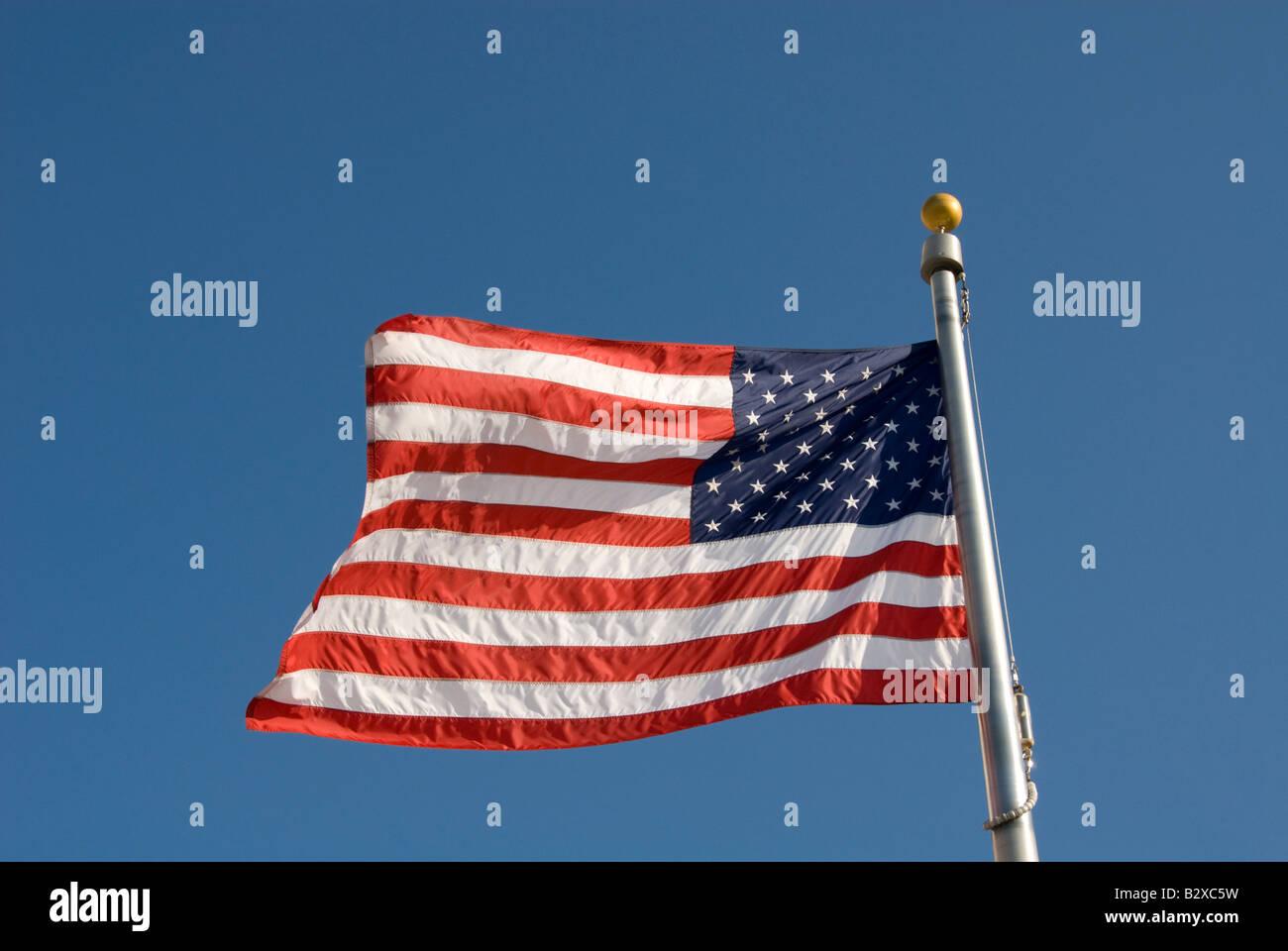 Washington DC USA American Flag at the Washington Monument Photo copyright Lee Foster Photo 2 washdc76060 - Stock Image