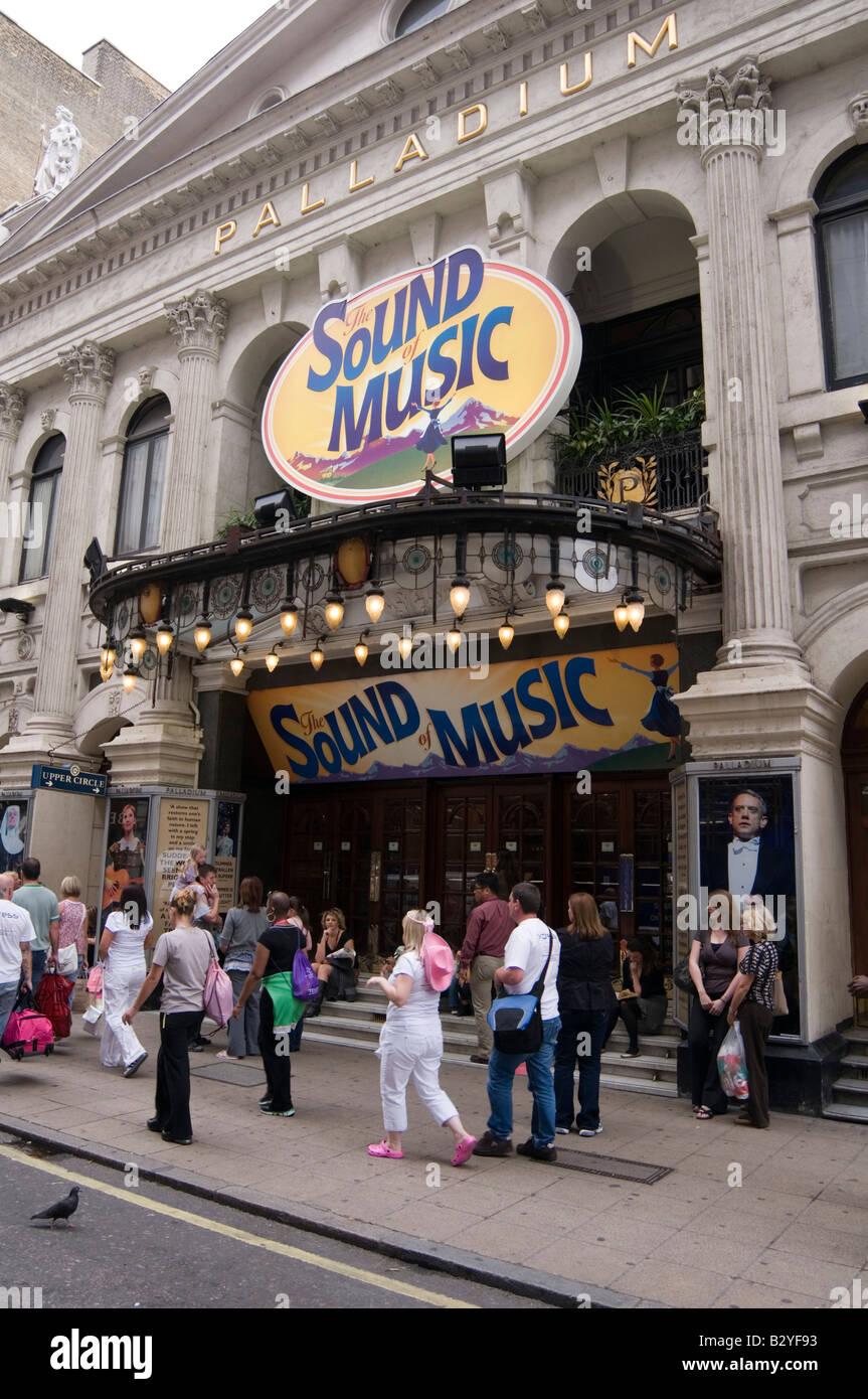 London Palladium sound of music musical theatre stage sing dance - Stock Image