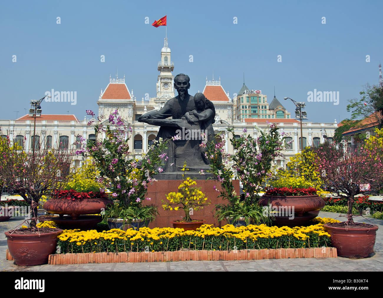 Statue of Ho Chi Minh Nguyen Hue Saigon Vietnam - Stock Image