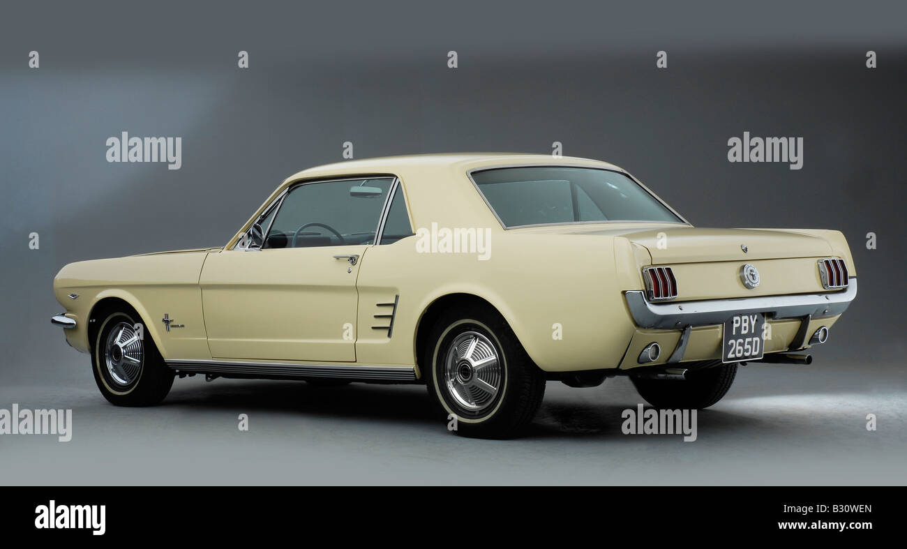 1966 ford mustang 289 stock image