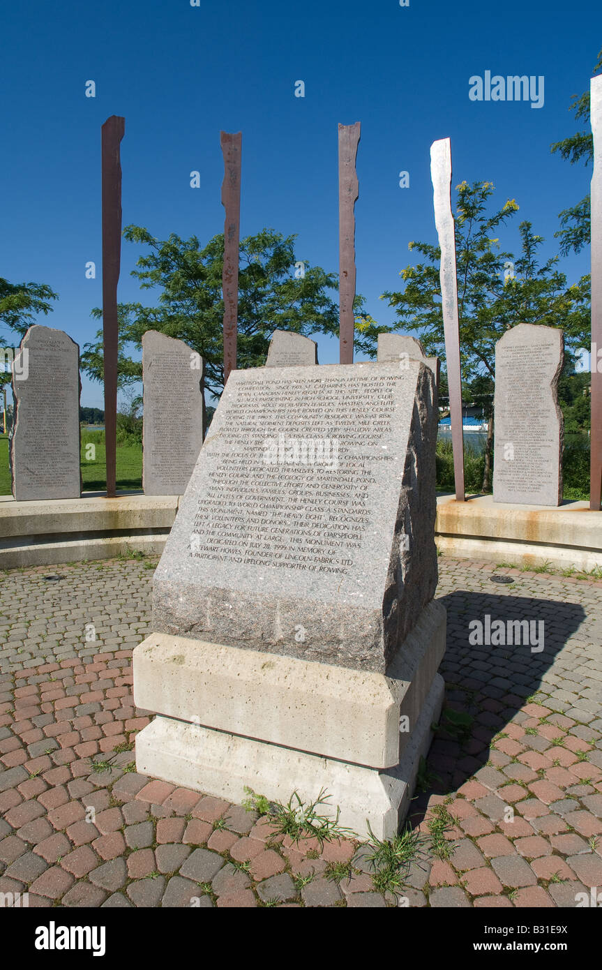 Monument erected to thank volunteers for restoring the Royal Canadian Henley Regatta rowing course back to world - Stock Image