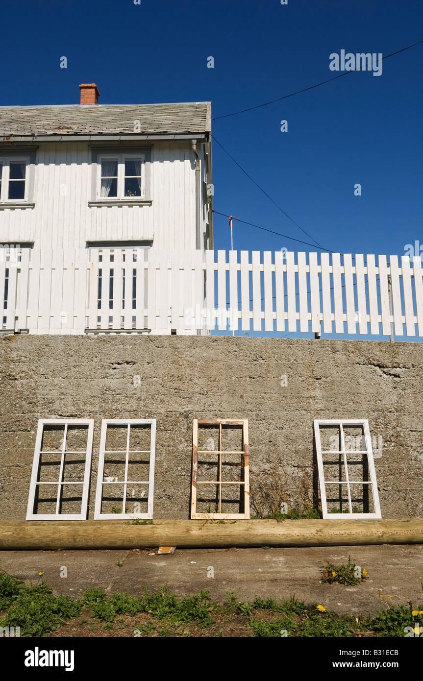 Refurbish of old windows. Sørgjæslingan in Vikna, Norway. - Stock Image