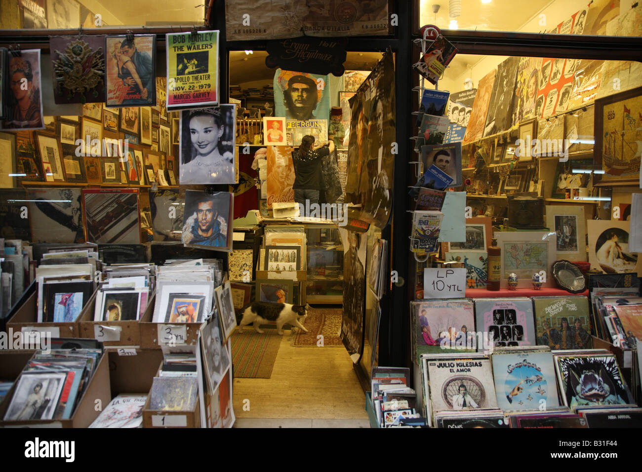 TUR Turkey Istanbul Oldtown of Beyoglu record shop - Stock Image