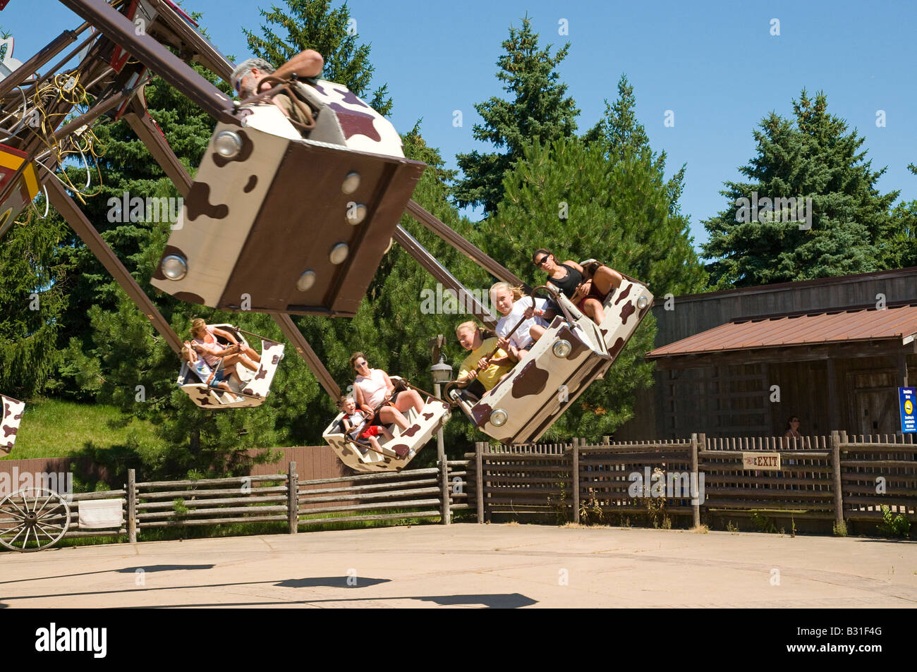 Six Flags Great America Stock Photos & Six Flags Great America Stock ...