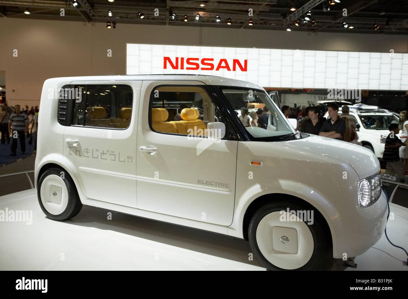 Nissan Garage Rotterdam : Nissan uk stock photos nissan uk stock images alamy