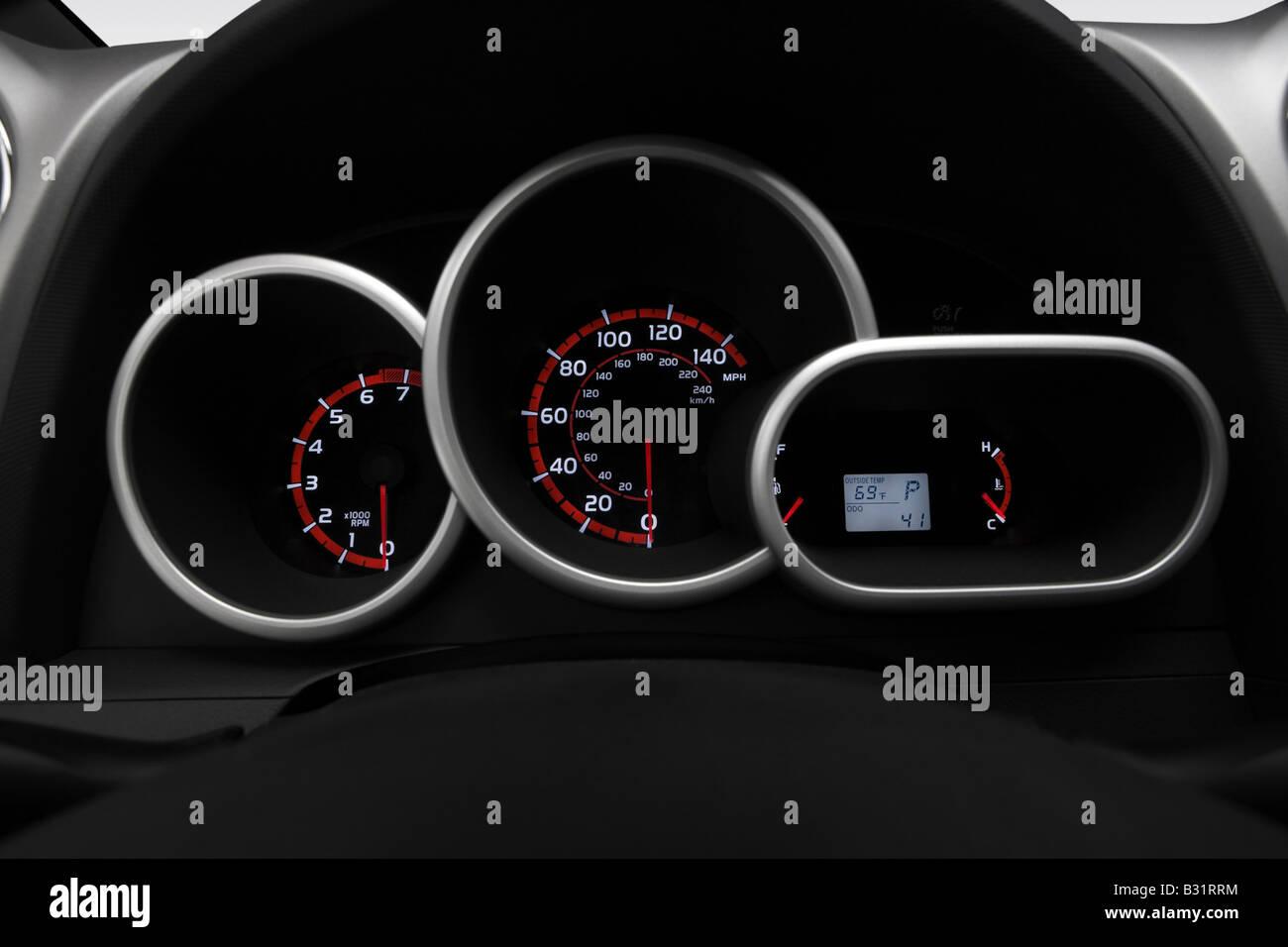 Pontiac Vibe L In Black Speedometertachometer B Rrm